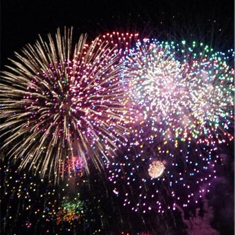 横浜市での花火大会 画像